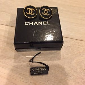 Vintage  authentic Chanel clip on earrings