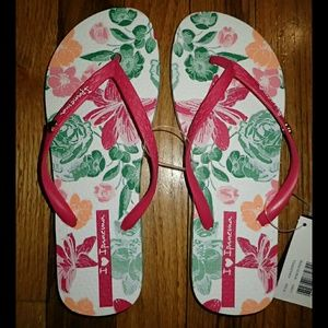 Ipanema Shoes - Ipanema Floral Flip Flops 7 - NWT