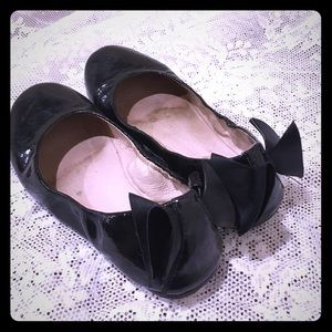 Bloch Other - BLOCH GIRLS BLACK PATENT BALLET FLATS BACK BOW