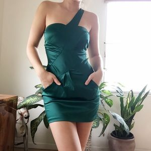 Pauln KC Dresses & Skirts - Emerald Green One Shoulder Bodycon Dress