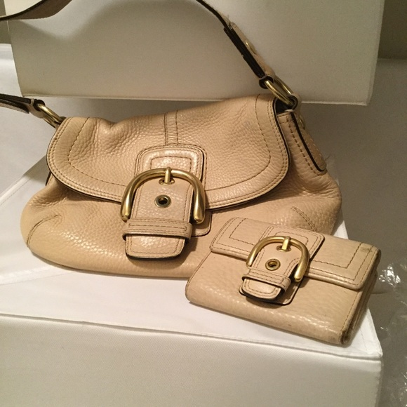69c0ca409b9d coach Handbags - Couch small bag with wallet !