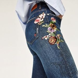 Zara woman flowers embroidered cropped jeans 2017