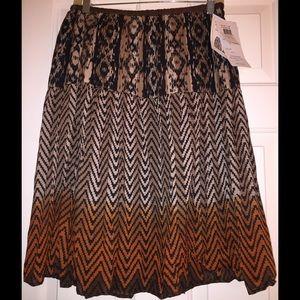 Dresses & Skirts - Skirt.
