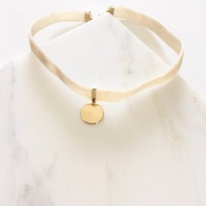 Jewelry - NWT || Ivory Gold Velvet Disc Charm Choker