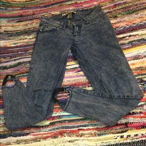 Stretchy Denim Pants Size: 1 skinny jean
