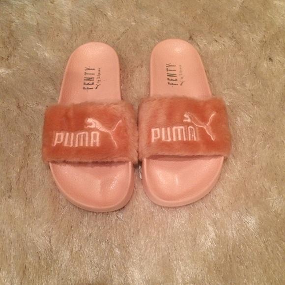 half off 85c7b 1c408 PUMA by Rihanna Leadcat Fenty Fur Slide Sandal 6.5 NWT