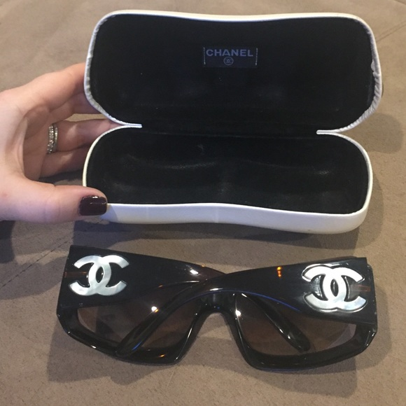 56b99bdb1f2d CHANEL Accessories - CHANEL CC tortoise   mother of pearl sunglasses