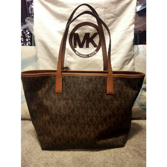 NWT Michael Kors Jet Set Travel Tote 96a83a88e0
