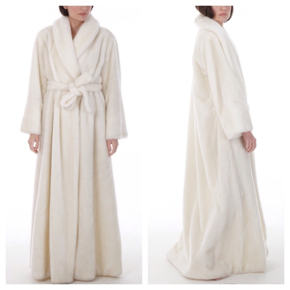 Vintage Vintage 70s Borg Faux Fur Robe From Katie S