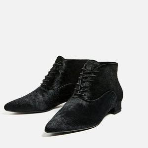 Zara leather flat ankle boots- size 8