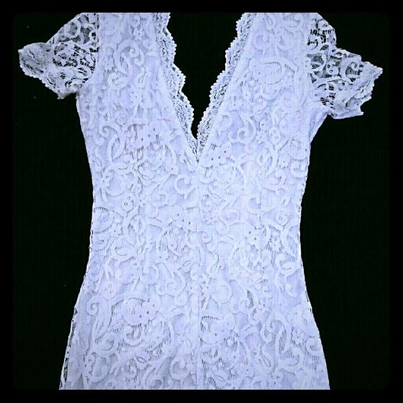 Tobi Dresses - *TOBI Gorgeous White Lace Dress*