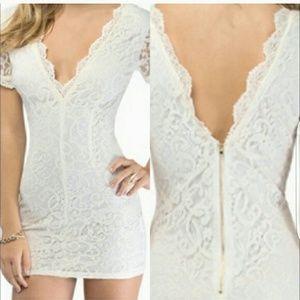Tobi Dresses & Skirts - *TOBI Gorgeous White Lace Dress*