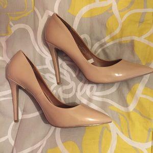 Missoni Shoes - Nude Patent Pumps 👠
