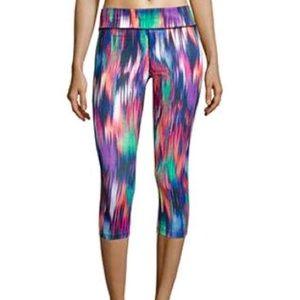 Xersion Pants - NWT Xersion Rio Ikat Capri Leggings Medium