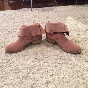 Dolce vita pink suede boots 9.5
