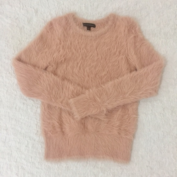 44% off Banana Republic Sweaters - 🍁 Banana Republic Fuzzy Pink ...