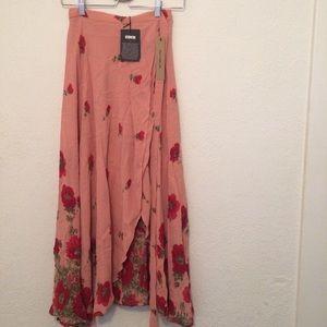 40cf06e2164b72 Reformation Skirts - NWT Reformation Newman Skirt - Vivian Pink XS