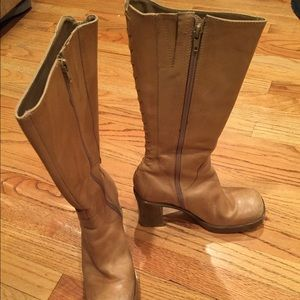 Steven Madden Beige Zip boots