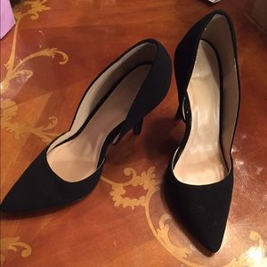 Shoes - Black velvet pump