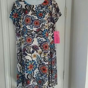 Betsey Johnson Dresses & Skirts - Betsey Johnson. Floral shift short slv Dress sz 14