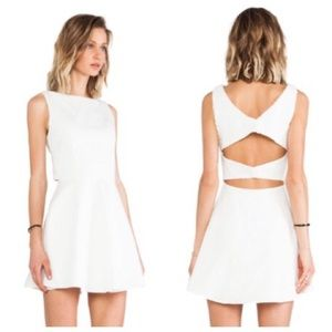 Line & Dot Dresses & Skirts - ➡Line & Dot White Cut Out Back Mini Dress⬅