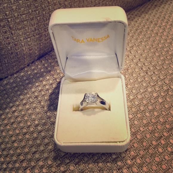 tara vanessa Jewelry Fake Engagement Ring Cz Size 8 Poshmark