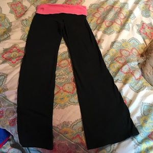 Size small Vs Pink yoga pants