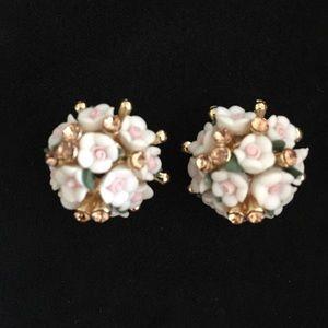 Jewelry - New flower earrings