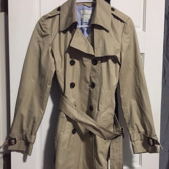 Banana Republic Jackets & Coats - NWOT Banana Republic Trench Coat