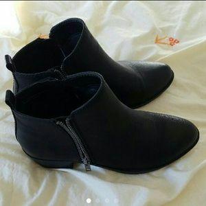 Madden Girl Shoes - New Madden Girl Black Boleroo Booties