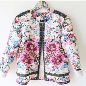 Boutique Jackets & Blazers - 🎉HP 2/1 🎉 Open Floral Blazer! NEW!