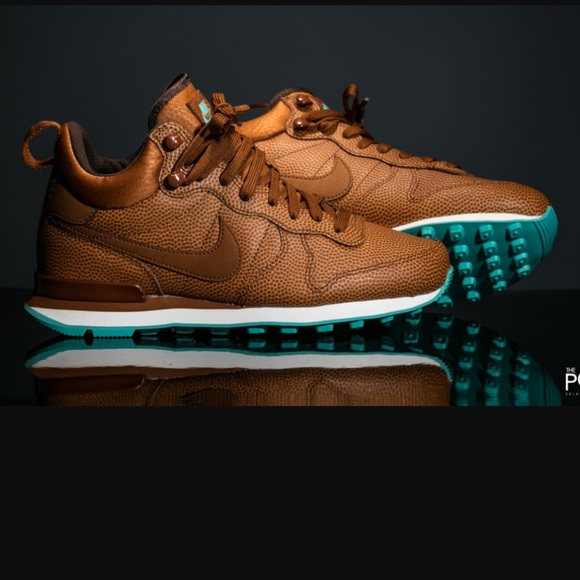 3cc204566f9b52 NWT Nike Internationalist Teal hazelnut
