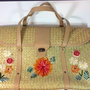 Nicole Lee Handbags - Nicole Lee Large Straw Beach Bag w/ Floral Design