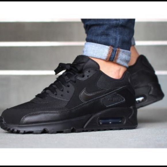 the best attitude 4d835 617a0 Nike Air Max 90 Black Sneakers - Kids 7  Women s 9.  M 58867d462ba50ab00601b182
