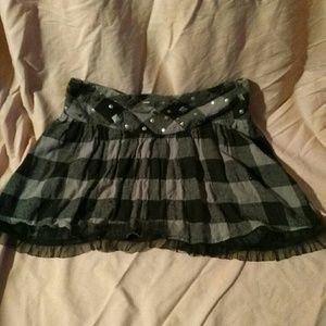 Olsenboye Dresses & Skirts - Cute plaid with studs skirt