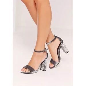 Missguided Crushed Velvet Block Heel Sandal sz 8