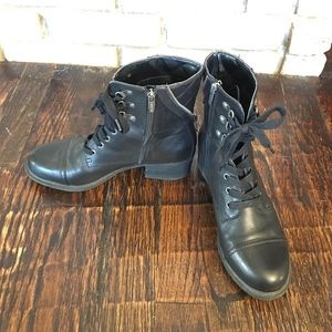 Adorable Marc Fisher Zipper Boots