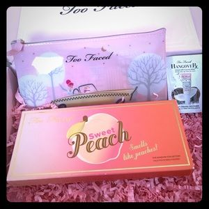Too Faced Other - Host pick!💕 Too Faced sweet peach palette and bag