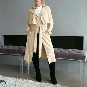 Jackets & Blazers - Chic and timeless Trench coat