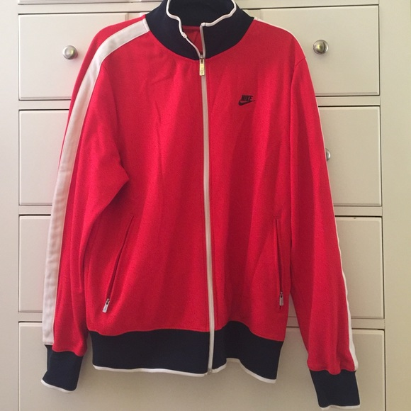 0e805ad426c5 Nike zip up track jacket red white black Men s L. M 5886a38e9c6fcfd5e91646e1
