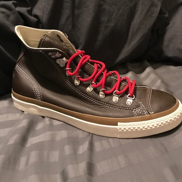 0b0ccf5ca9d Converse Other - Converse leather size 9 sample like new