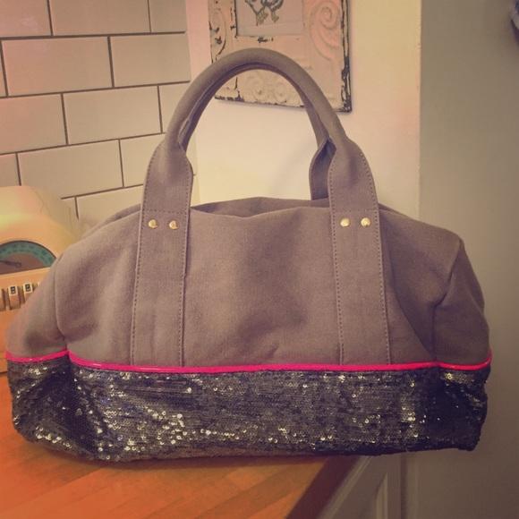e056f4ebb6 Deux Lux Handbags - Deux Lux sequined weekender bag! 💕
