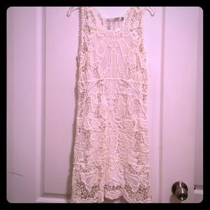 Solitaire lace dress NWT