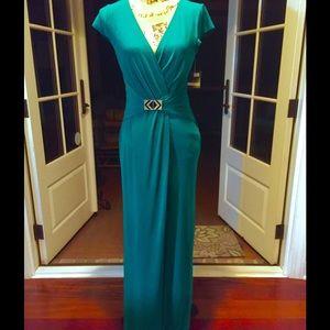 NWT Just Taylor Kelly green long dress, size 6
