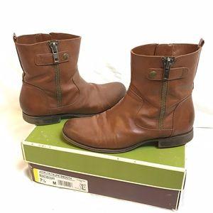 Cognac short boots