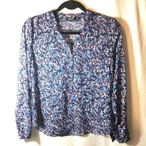 a.n.a Tops - NWOT Peach, white, and blue patterned top