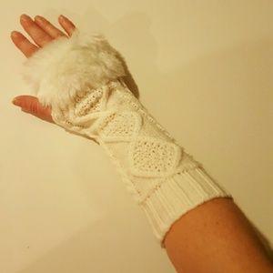 White or Black fingerless gloves