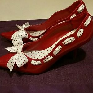 Delicious  Shoes - Absolutely Adorable Red Patent Shoes With Bow