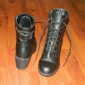 Wild Diva Shoes - Combat boots w/ heel