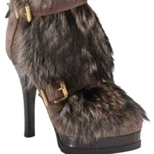 SOLD! Beautiful raccoon fur FENDI boots brand new